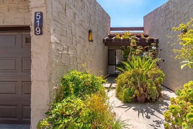 Condominium, Spanish - Monterey Hills, CA (photo 3)