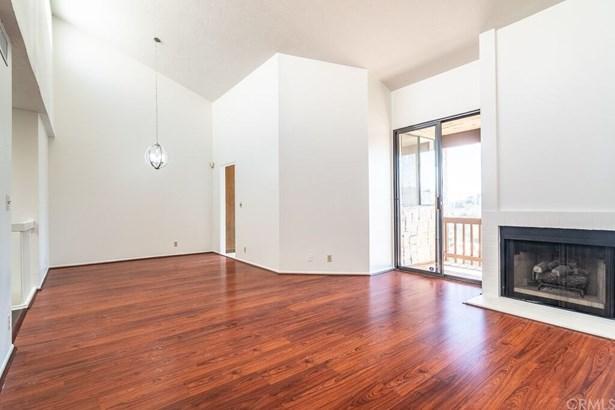 Condominium, Spanish - Monterey Hills, CA (photo 5)