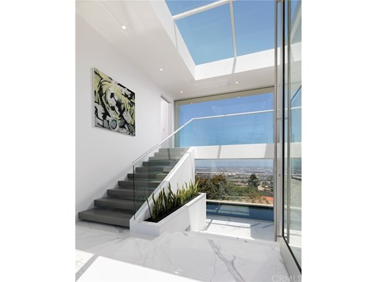 Single Family Residence, Contemporary - Rancho Palos Verdes, CA (photo 4)