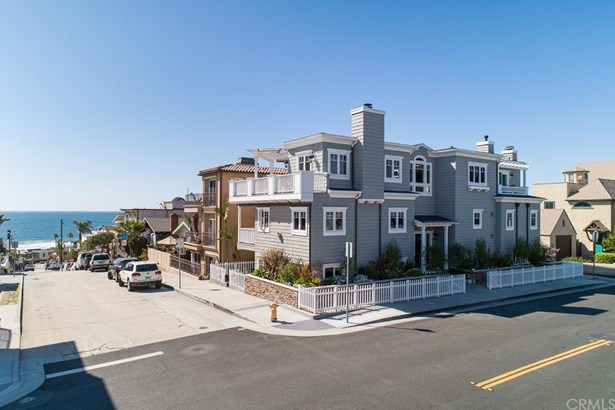 Cape Cod, Single Family Residence - Hermosa Beach, CA