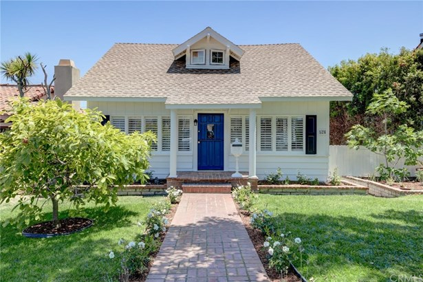 Single Family Residence, Bungalow - El Segundo, CA