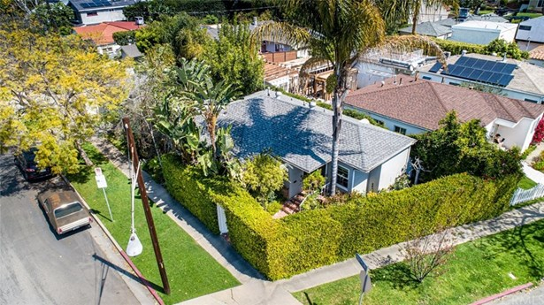 Bungalow,Contemporary, Single Family Residence - Cheviot Hills, CA