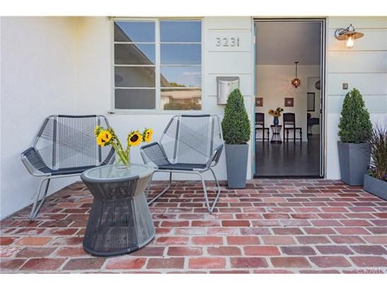 Single Family Residence, Traditional - Los Angeles, CA (photo 4)