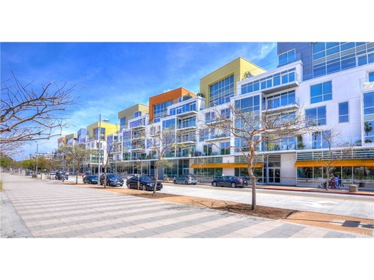 Condominium - Santa Monica, CA (photo 1)