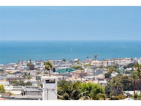 Cape Cod, Single Family Residence - Hermosa Beach, CA (photo 1)