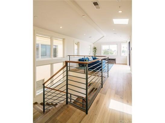 Contemporary,Modern, Single Family Residence - Manhattan Beach, CA (photo 4)