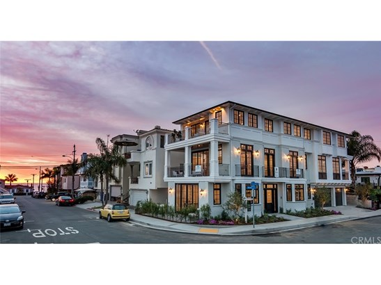 Single Family Residence, Custom Built - Manhattan Beach, CA