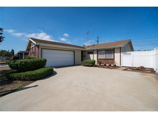 Single Family Residence, Traditional - Wilmington, CA (photo 1)