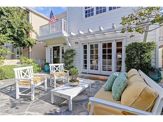 Cape Cod, Single Family Residence - Manhattan Beach, CA (photo 2)