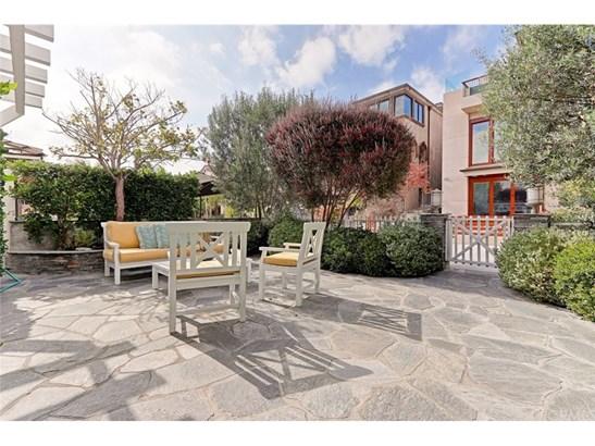 Cape Cod, Single Family Residence - Manhattan Beach, CA (photo 3)