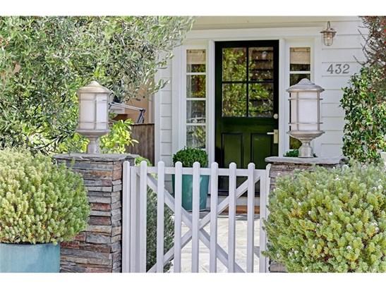 Cape Cod, Single Family Residence - Manhattan Beach, CA (photo 4)
