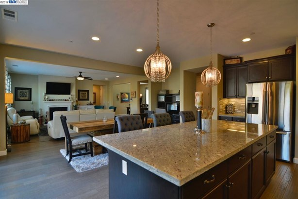 1396 Springdale Ct, Brentwood, CA - USA (photo 2)