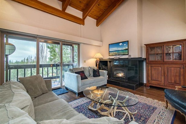 2755 North Lake Boulevard, Tahoe City, CA - USA (photo 1)