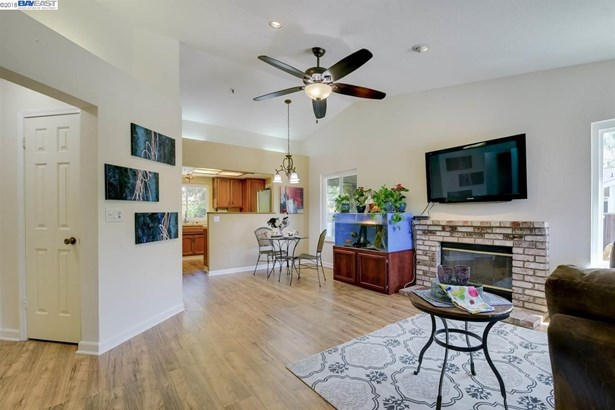 322 Mulqueeney St, Livermore, CA - USA (photo 2)
