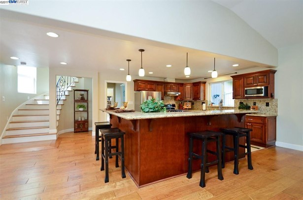 927 Happy Valley Rd, Pleasanton, CA - USA (photo 5)