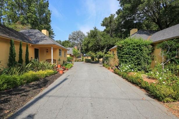 231-241 Churchill Avenue, Palo Alto, CA - USA (photo 4)