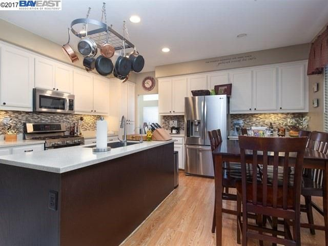 2251 Bentley Ln, Tracy, CA - USA (photo 5)