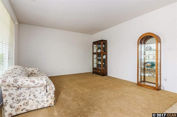 404 Rich Spring Dr, Pittsburg, CA - USA (photo 5)
