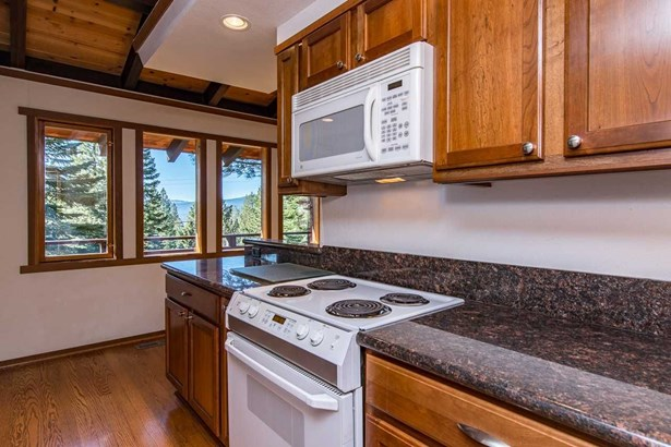 3080 Cedarwood Drive, Tahoe City, CA - USA (photo 3)