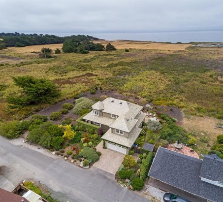 930 Railroad Avenue, Half Moon Bay, CA - USA (photo 2)