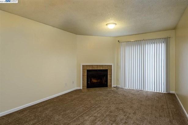 29300 Dixon, # 312 # 312, Hayward, CA - USA (photo 2)
