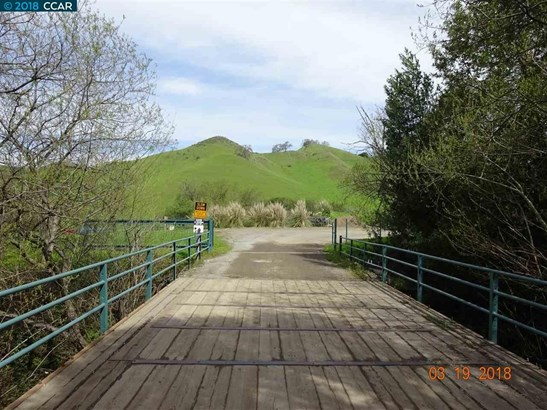 1151 Bear Creek Rd, Martinez, CA - USA (photo 2)