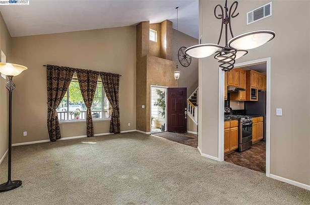 741 Walker Ct, Brentwood, CA - USA (photo 5)