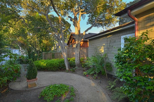 Se Corner Se Corner Torres 5th Street, Carmel, CA - USA (photo 3)