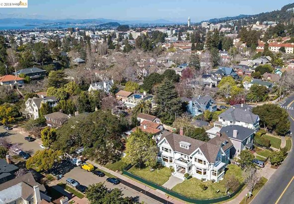 2967 Avalon Avenue, Berkeley, CA - USA (photo 2)