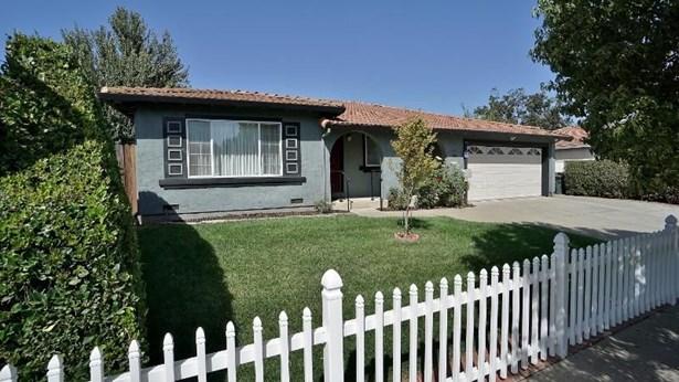 915 Greenwich Drive, Gilroy, CA - USA (photo 2)