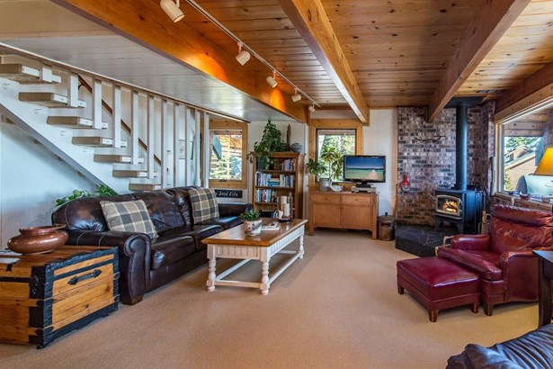 202 Edgewood Drive, Tahoe City, CA - USA (photo 4)