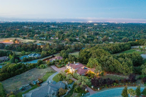 24040 Oak Knoll Circle, Los Altos Hills, CA - USA (photo 4)