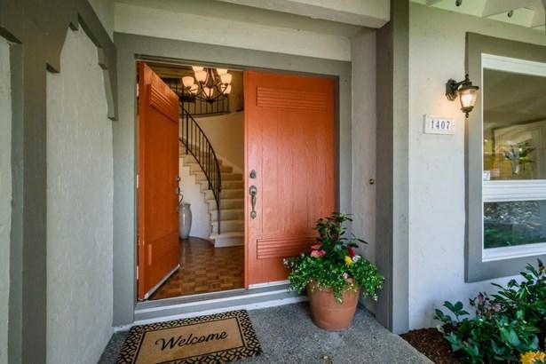 1407 Parkwood Drive, San Mateo, CA - USA (photo 2)