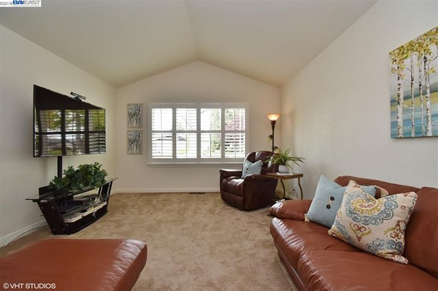 4036 W Las Positas Blvd, Pleasanton, CA - USA (photo 4)