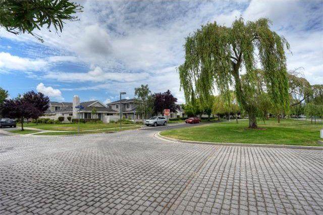 320 Beacon Shores Drive, Redwood Shores, CA - USA (photo 4)