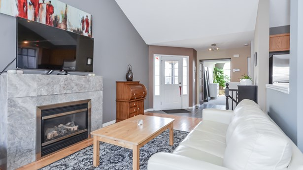 196 Farley Dr, Guelph, ON - CAN (photo 3)