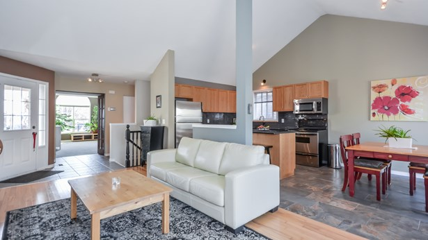 196 Farley Dr, Guelph, ON - CAN (photo 5)
