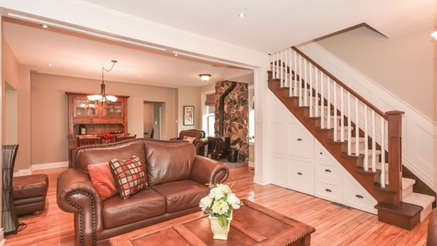 626 Eramosa Rd, Guelph, ON - CAN (photo 1)