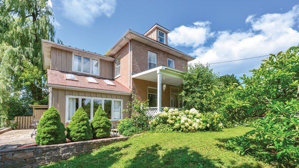626 Eramosa Rd, Guelph, ON - CAN (photo 2)