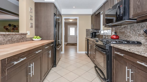 28 Ray Cres, Guelph, ON - CAN (photo 4)
