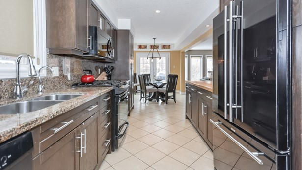 28 Ray Cres, Guelph, ON - CAN (photo 5)