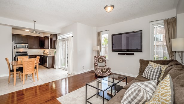 18 Trimble Cres, Guelph, ON - CAN (photo 5)
