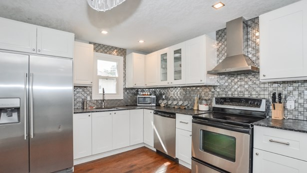 44 Speedvale Ave W, Guelph, ON - CAN (photo 5)
