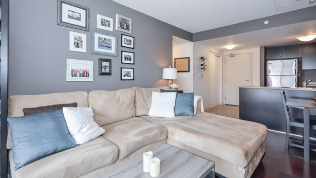 39 Goodwin Dr 102, Guelph, ON - CAN (photo 1)
