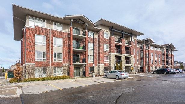 39 Goodwin Dr 102, Guelph, ON - CAN (photo 2)