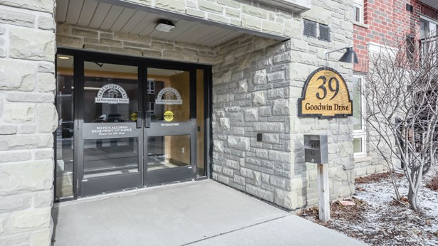 39 Goodwin Dr 102, Guelph, ON - CAN (photo 3)
