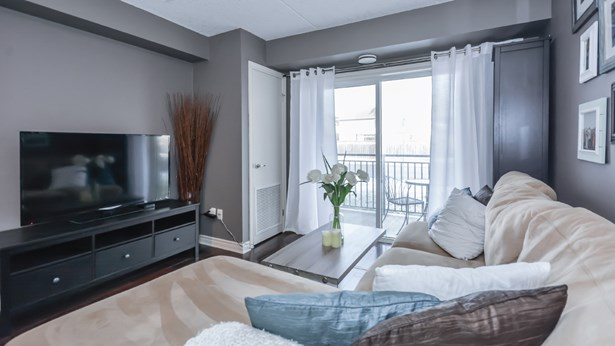 39 Goodwin Dr 102, Guelph, ON - CAN (photo 5)