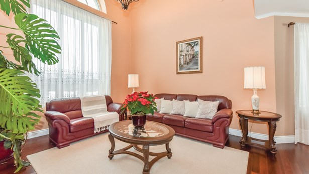 14 Canters Close, Kitchener, ON - CAN (photo 5)