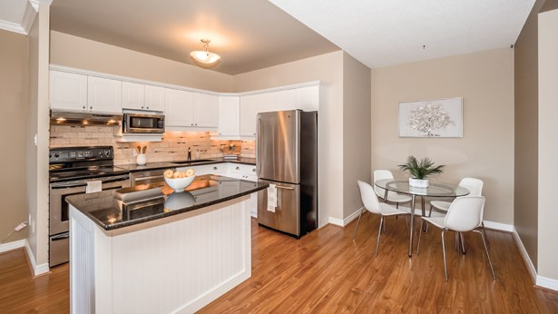 60 Wyndham St S 708, Guelph, ON - CAN (photo 1)
