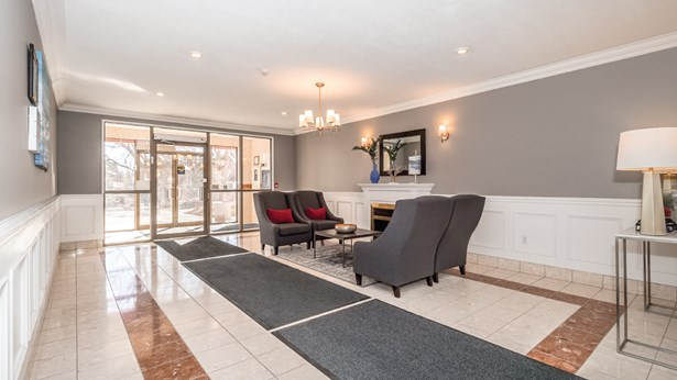 60 Wyndham St S 708, Guelph, ON - CAN (photo 4)
